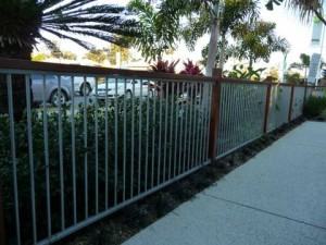 6 Signs It's Time To Update Your Fencing